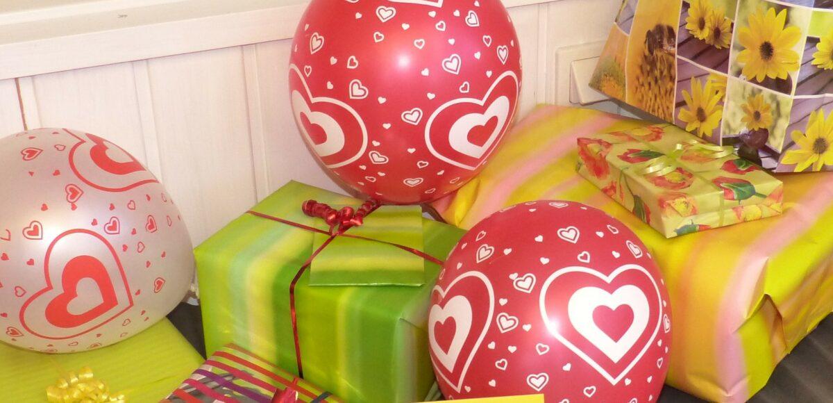 Organizacja przyjęcia urodzinowego dla dziecka - tort, prezenty, goście