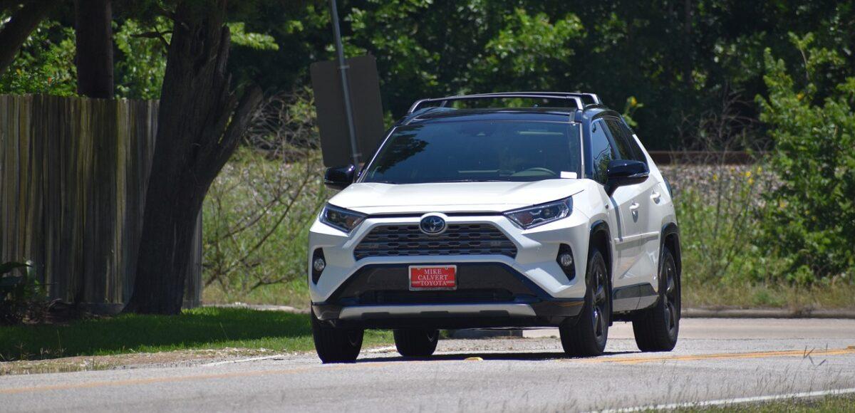 Toyota Katowice uzywane samochody w salnnie - Rav 4