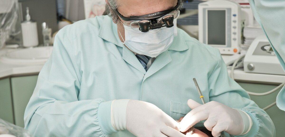 Leczenie krzywych zębów - ortodonta Gliwice