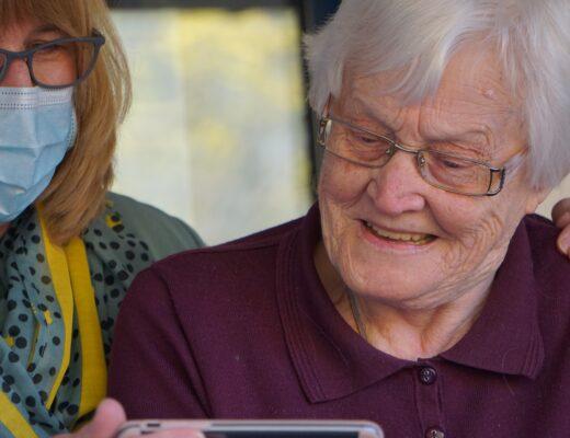 Cechy dobrego opiekuna osób starszych